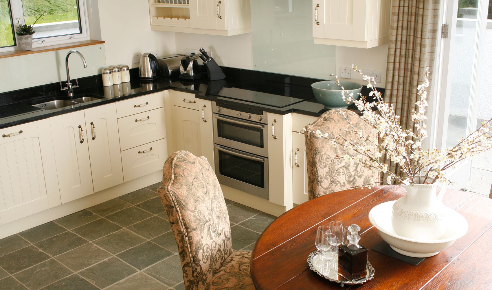 The white tower accommodation the white tower for Luxury kitchens scotland